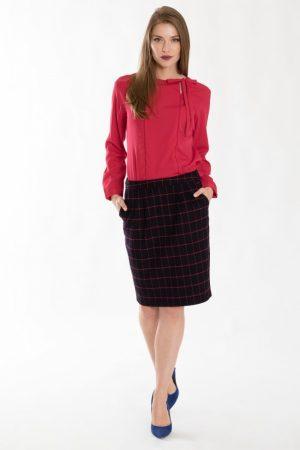 Elegancka bluzka z dekoracyjnym wiązaniem 159B18REROU – Greenpoint